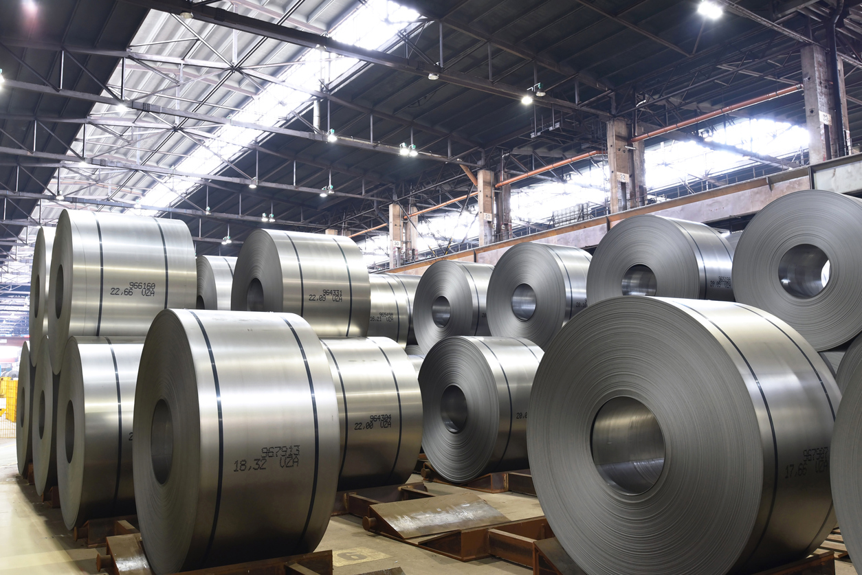 industrial plant for the production of sheet metal in a steel mill - storage of sheet rolls